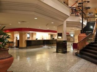 Hotel Grand Chancellor Adelaide on Hindley Adelaide - Reception