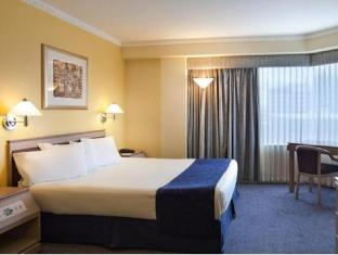 Hotel Grand Chancellor Adelaide on Hindley Adelaide - Deluxe Queen