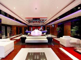 Absolute Bangla Suites Hotel Phuket - Empfangshalle