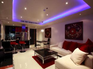Absolute Bangla Suites Hotel Phuket - Gästezimmer