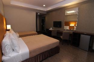 picture 5 of District 21 Hotel