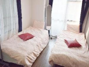 ABWalk to ShinOsaka Casual flat for 2 pax