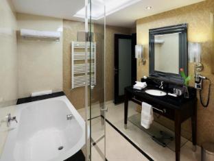 Hotel Kings Court Prague - Executive Room Bathroom