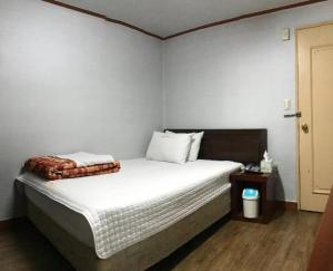 J Motel
