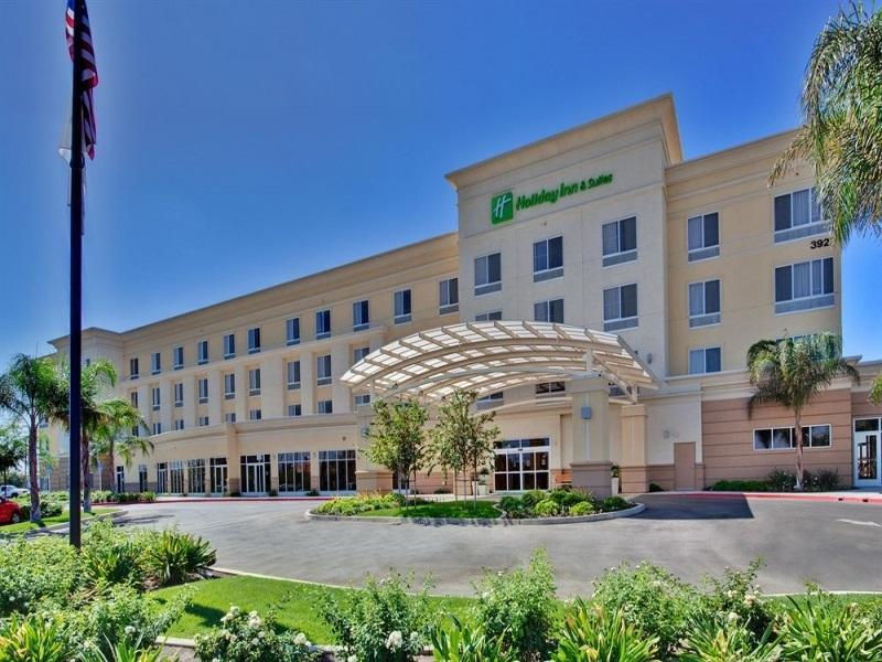 Holiday Inn Hotel And Suites Bakersfield