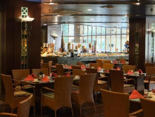 JPark Island Resort and Waterpark Mactan Island - Restaurant