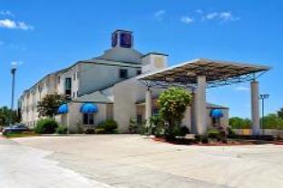 Motel 6 San Antonio Downtown Alamodome