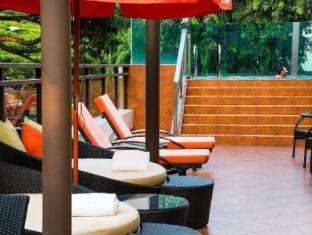 Nostalgia Hotel Сінгапур - Басейн