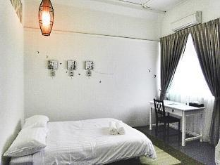 Mango Tree Place - Townhouse 1934 Penang - Family Suite