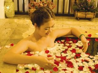 Romance Hotel Hue - Spa Treatment