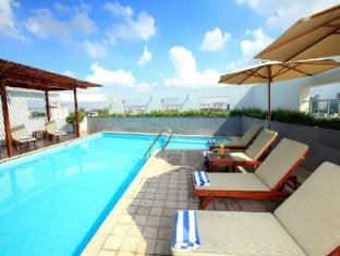 Liberty Central Saigon Centre Hotel Ho Chi Minh City - Swimming Pool