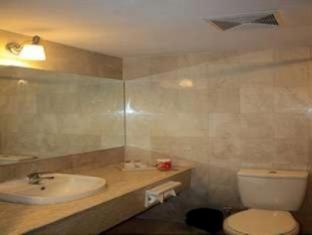 Losari Hotel & Villas Kuta Bali Bali - Bathroom