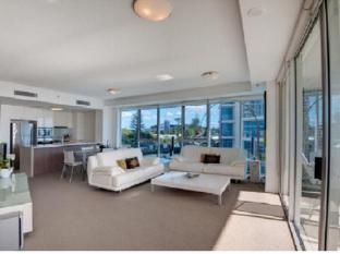 Reflection On The Sea Apartments Gold Coast - 3 Bedroom Ocean