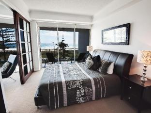 Reflection On The Sea Apartments Gold Coast - 3 Bedroom Beach View