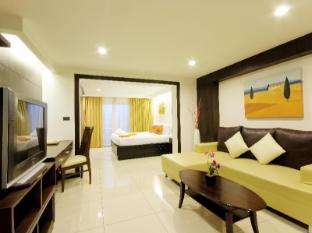 Baywalk Residence Pattaya - Deluxe Living Room