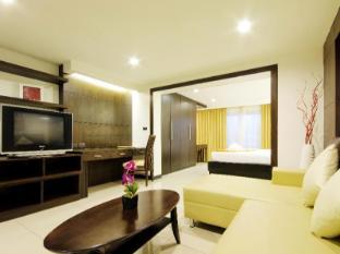 Baywalk Residence Pattaya - Balcony Deluxe - Living Room