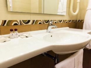 Maxima Panorama Moscow - Bathroom