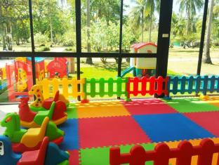 Rayaburi Resort Phuket - Club infantil