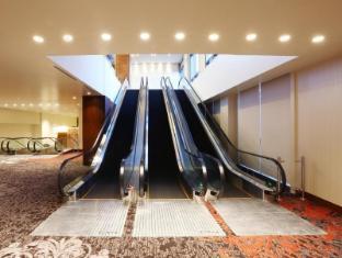 Marriott Hotel Manila Manila - Escalators at the Marriott Grand Ballroom provide the ultimate guest convenience.