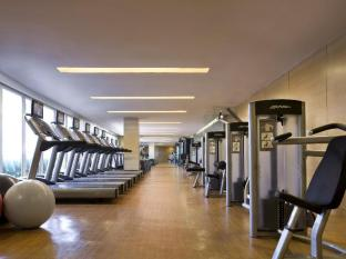 Marriott Hotel Manila Manila - A fitness center where one can enjoy a fully equipped gymnasium that offers innovative professional equipment for cardio, resistanc