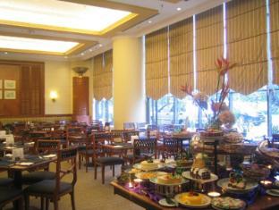 Grand Blue Wave Hotel Shah Alam Shah Alam - Semarak Cafe