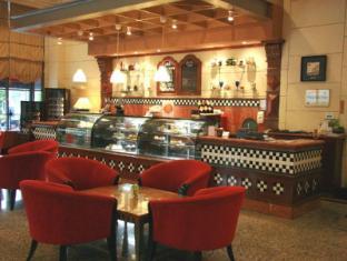 Grand Blue Wave Hotel Shah Alam Shah Alam - Borak Borak Cafe