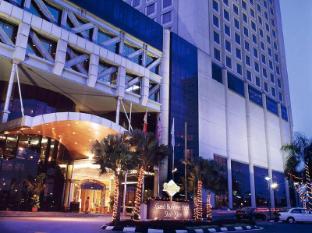 Grand Blue Wave Hotel Shah Alam Shah Alam - Hotel Entrance