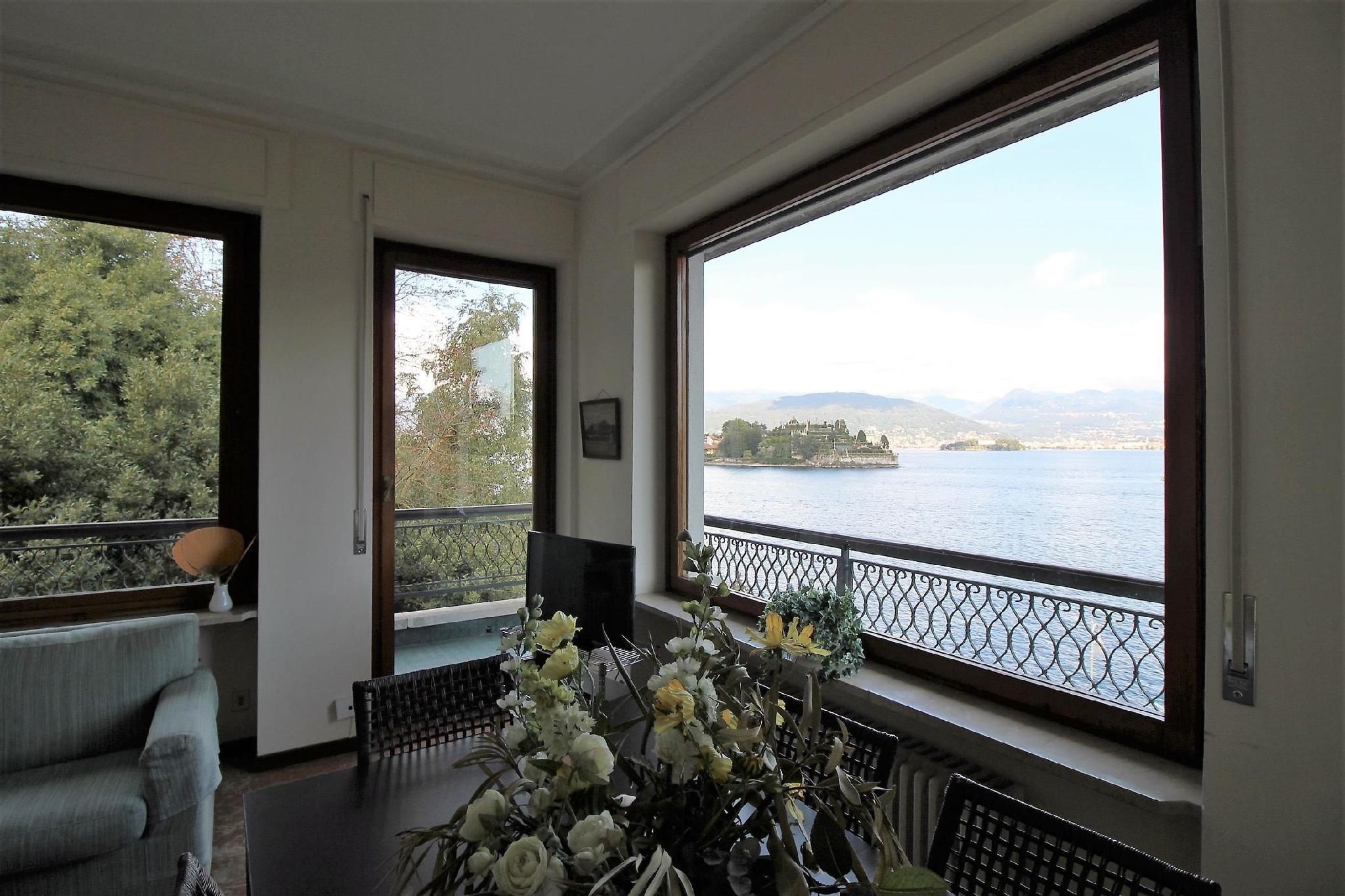 On the lake side with a magnificent view of the Borromean Islands