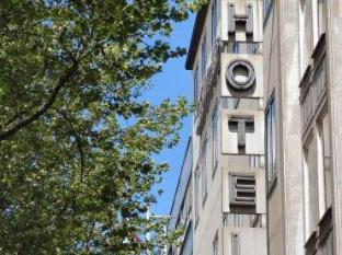 /hotel-lasthaus-am-ring/hotel/cologne-de.html?asq=jGXBHFvRg5Z51Emf%2fbXG4w%3d%3d