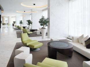 Media One Hotel Dubai - Lobby