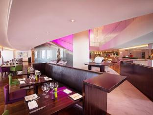 Media One Hotel Dubai - Restaurant