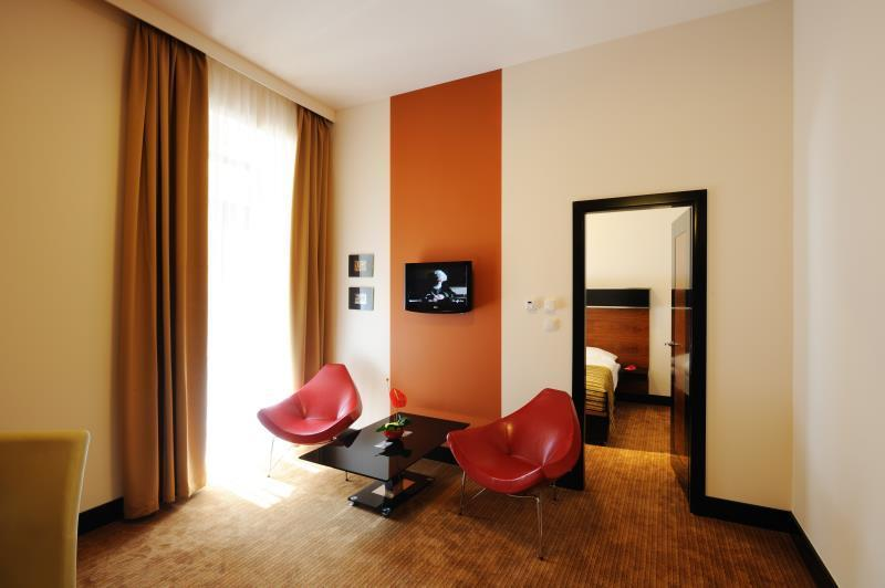 Grand Majestic Plaza Hotel 2