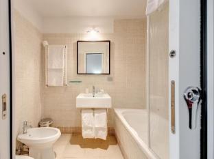Target Inn Rome - Deluxe Bathroom