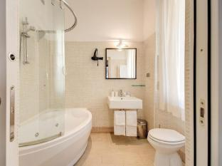 Target Inn Rome - Junior Suite Room
