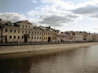 /pt-pt/kadashevskaya-hotel/hotel/moscow-ru.html?asq=jGXBHFvRg5Z51Emf%2fbXG4w%3d%3d