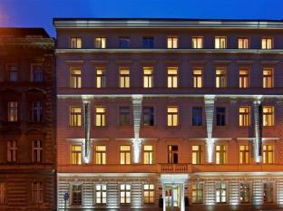 Red & Blue Design Hotel Prague Prag