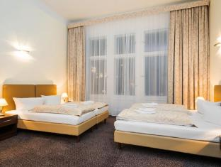 Upper Room Hotel Berlin - Interior