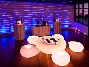 The Sun Siyam Iru Fushi Luxury Resort Maldives Islands - The Bubble Lounge