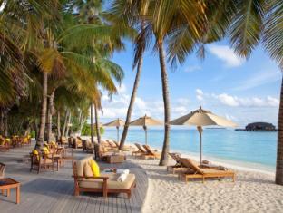 The Sun Siyam Iru Fushi Luxury Resort Maldives Islands - Water Edge