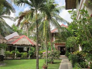 Tonglen Beach Resort Boracay Island - View