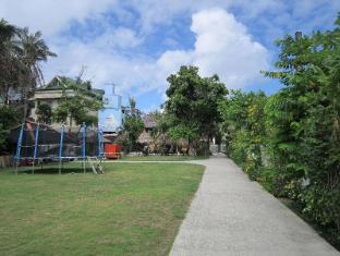Tonglen Beach Resort Boracay Island - Playground