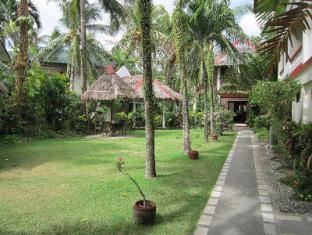 Tonglen Beach Resort Boracay Island - Garden