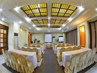 Sarrosa International Hotel and Residential Suites Cebu City - Festvåning