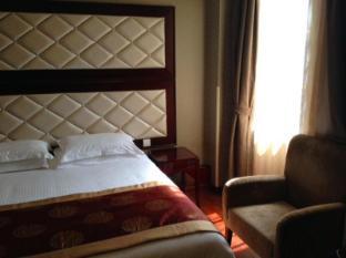 Seventh Heaven Hotel Shanghai - Standard with Breakfast