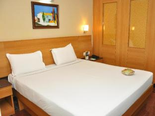 Malles Manotaa Hotel Chennai - Executive Room