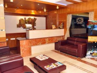 Malles Manotaa Hotel Chennai - Lobby