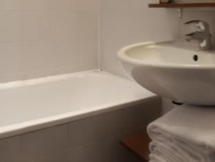 Hotel La Manufacture Paris - Bathroom