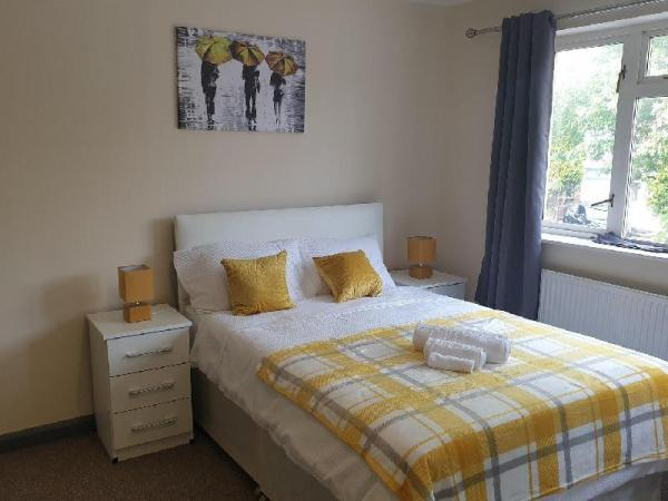 Budget Stay In Kings Health, 20 Mins from City Birmingham