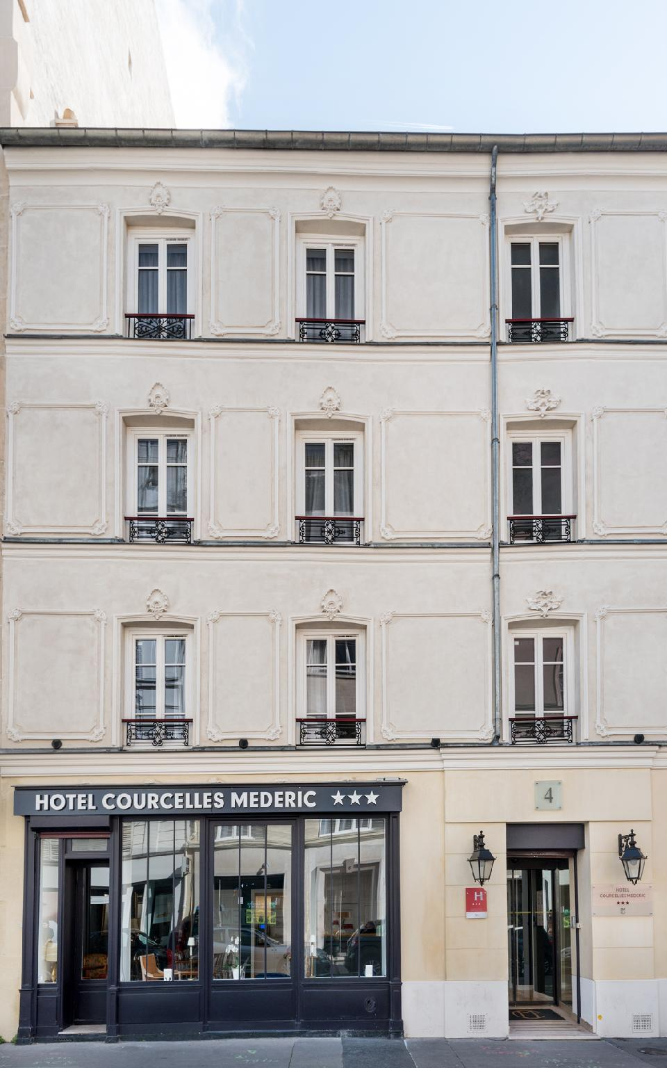 Hotel Courcelles Mederic