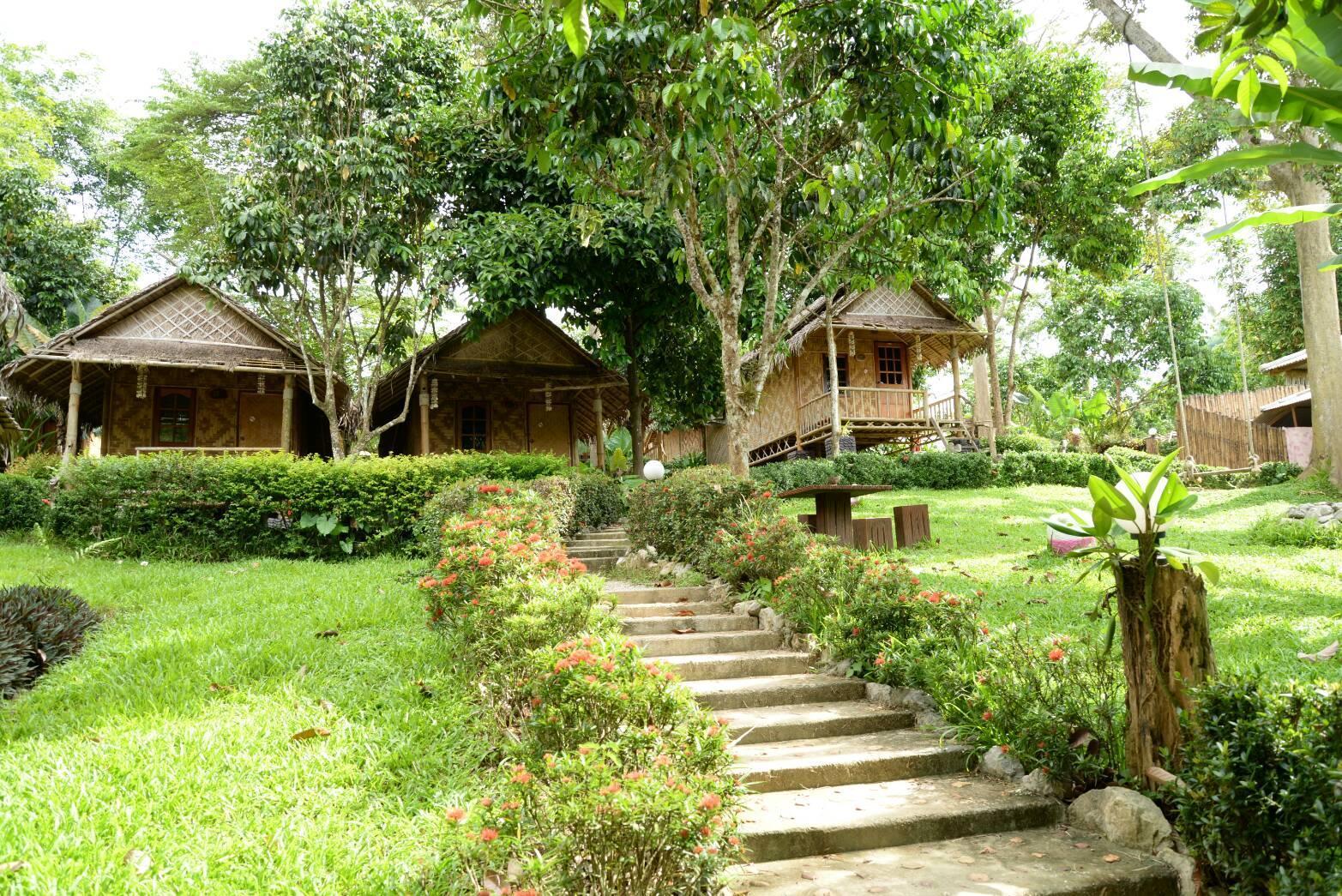Bamboo Jungle Resort แบมบู จังเกิ้ล รีสอร์ท